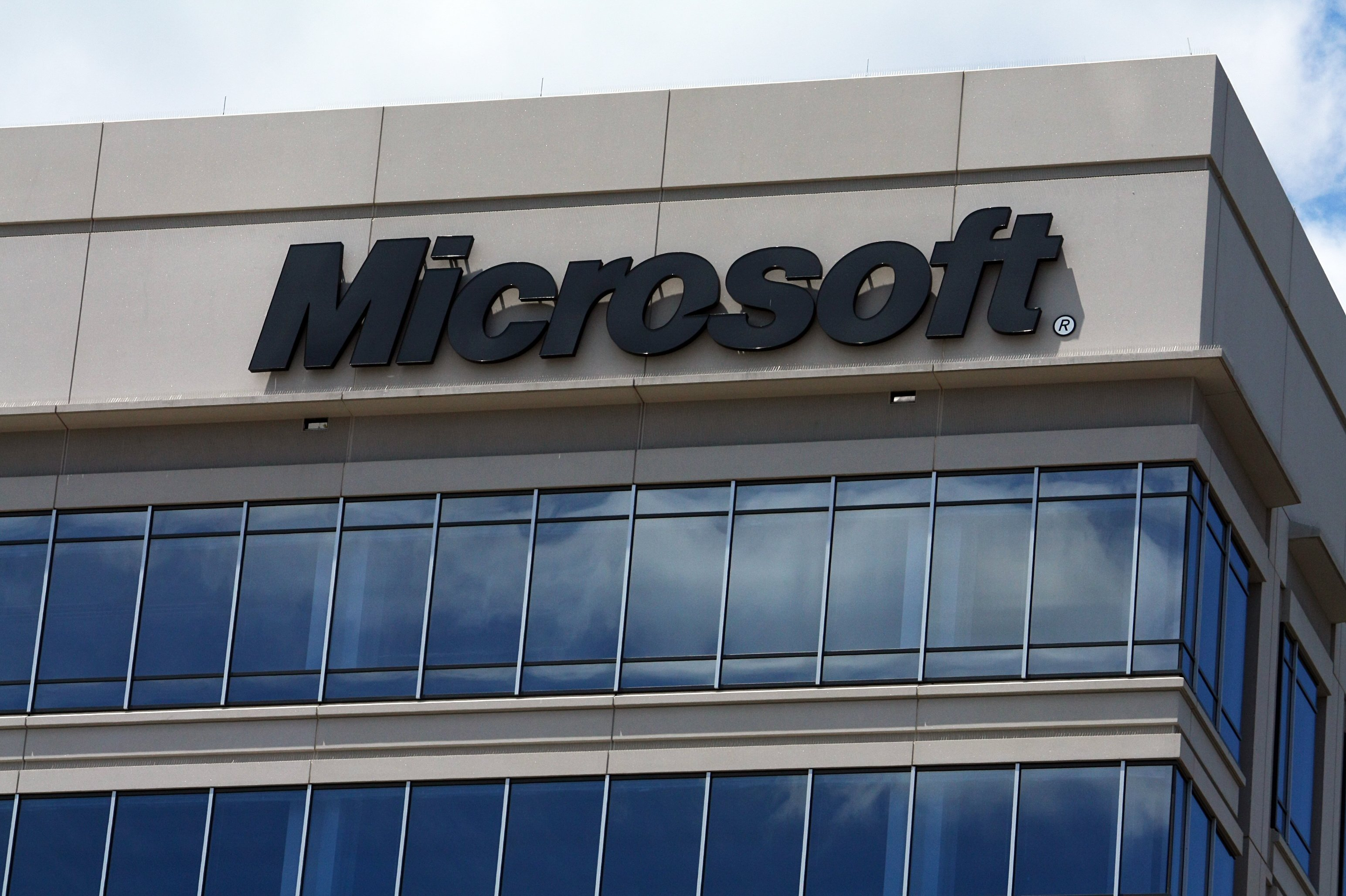 Microsoft to Cut 2850 More Jobs in Exit From Phone Business