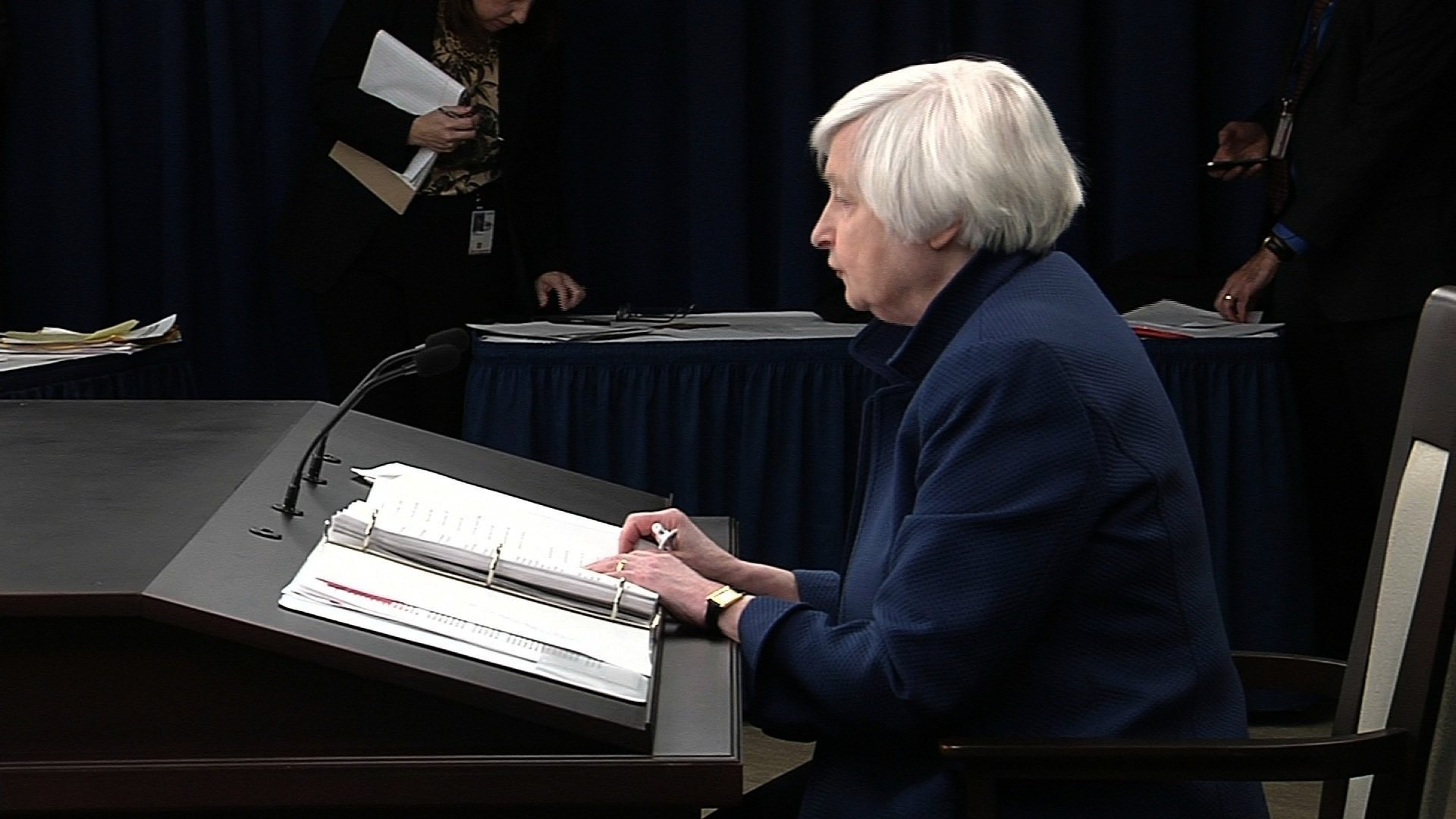 Fed raises rates for the 3rd time amid signs of strengthening economy