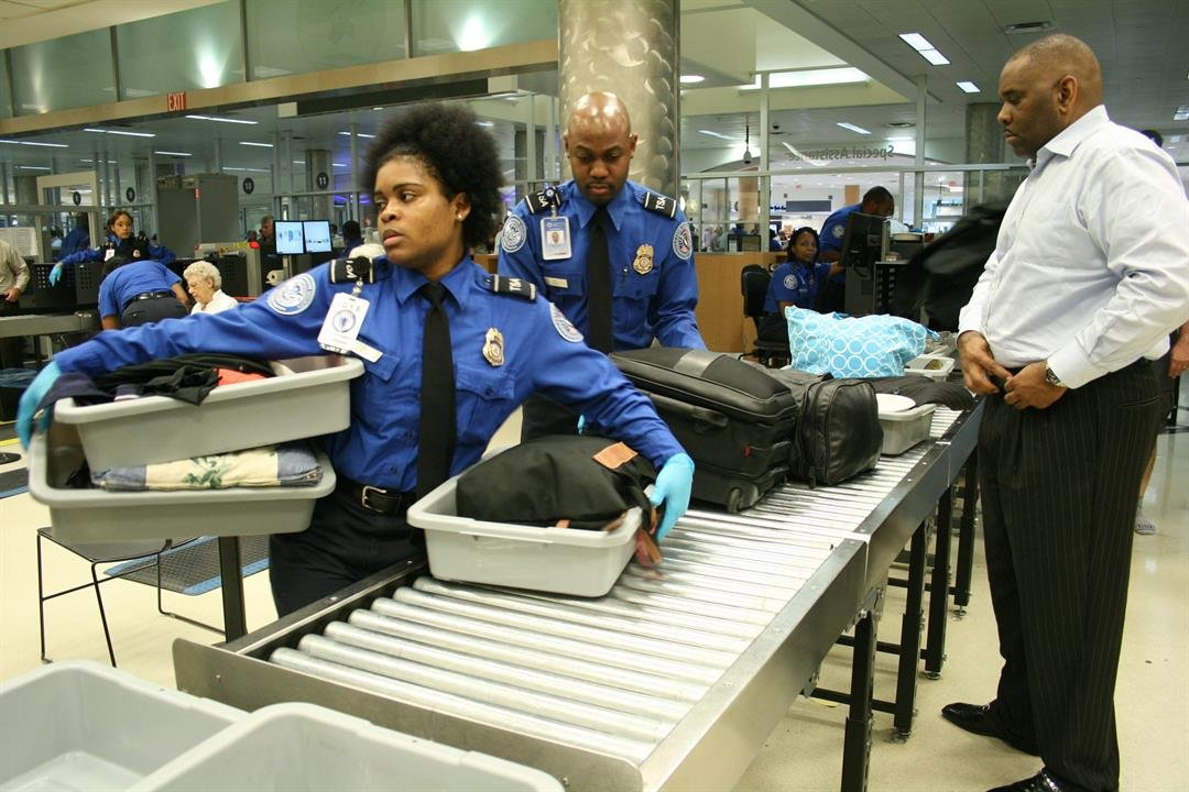 Laptop explosives may not be detected by airport security