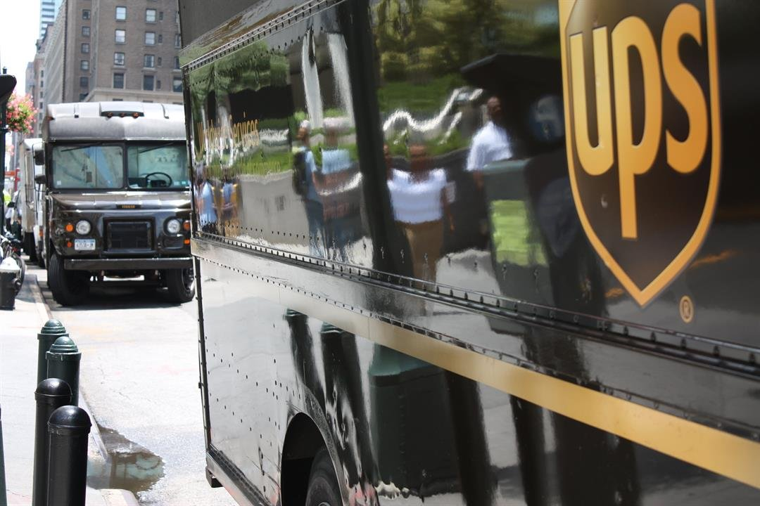 UPS unveils Saturday delivery -- and 6000 new jobs