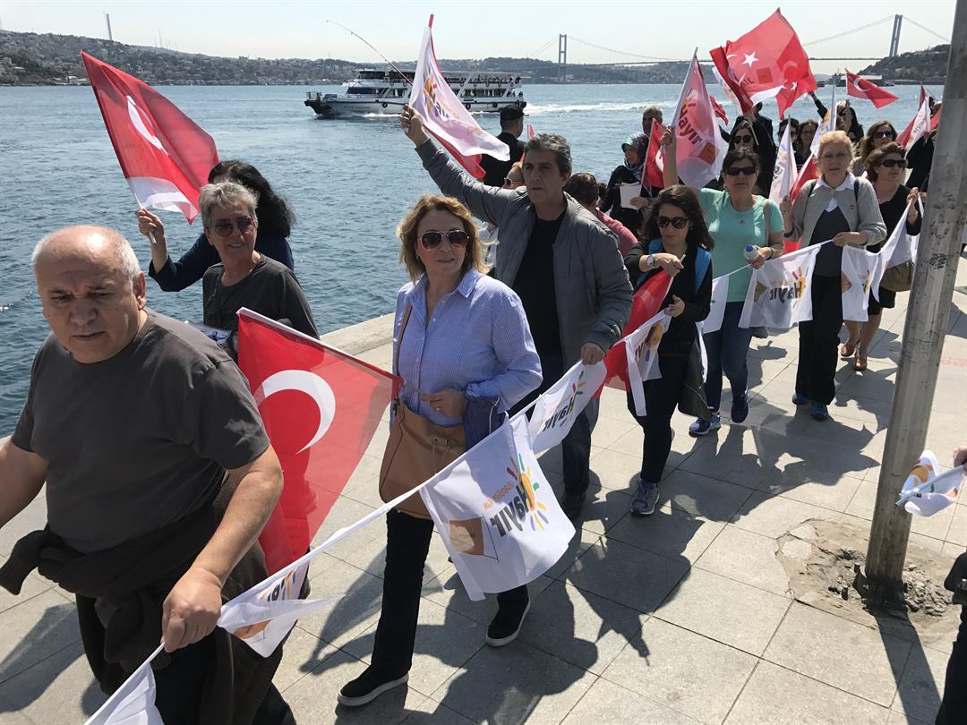Trump called Turkey's Erdogan to congratulate him on referendum win - Turkish sources