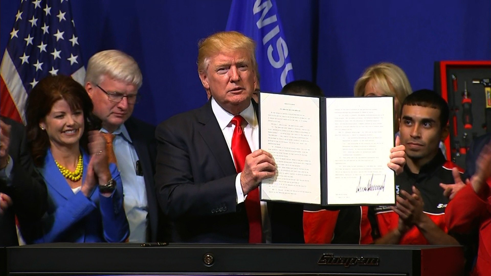US President Trump Signs