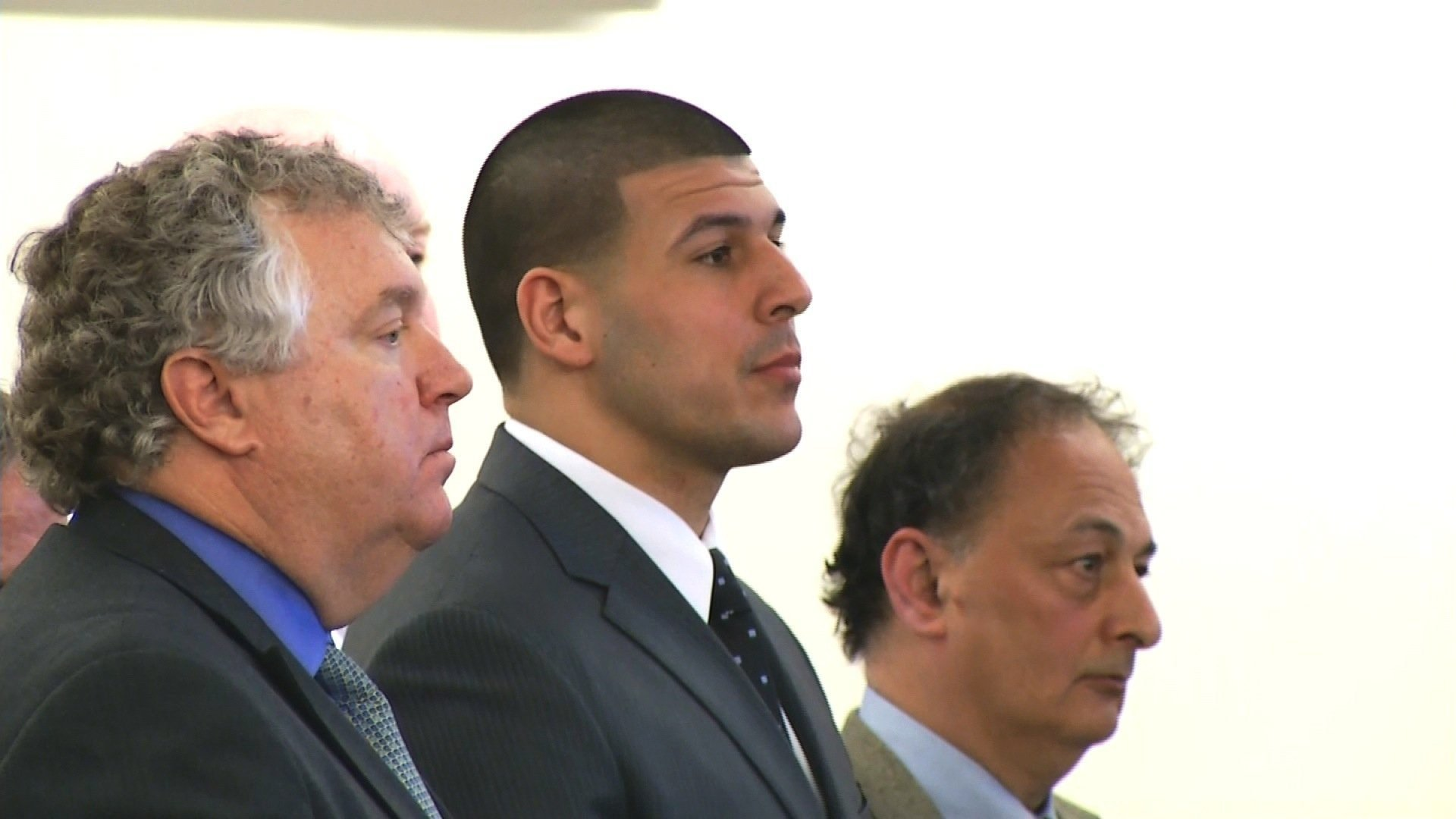 Aaron Hernandez's family, medical examiner's office tussle over ex-NFL player's brain