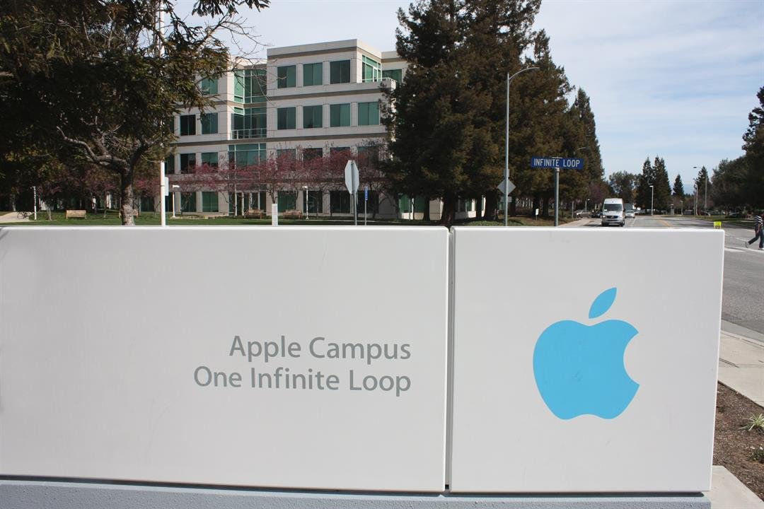 Apple to announce it has US$250b cash stash