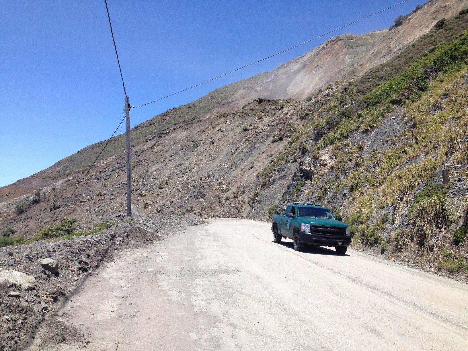 1500 feet of California highway blocked by slide
