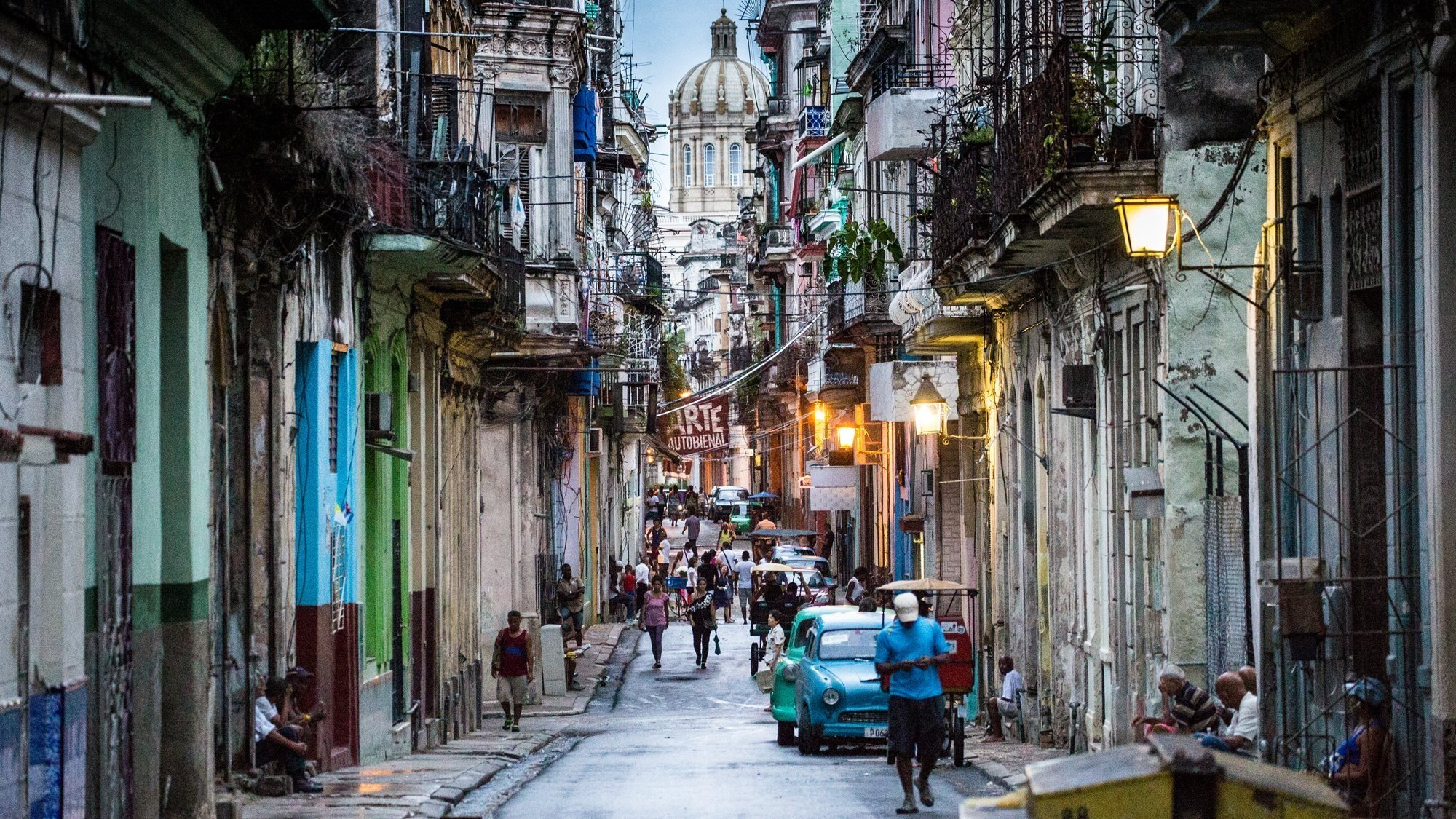 Americans flock to Cuba in post-rapprochement tourism boom