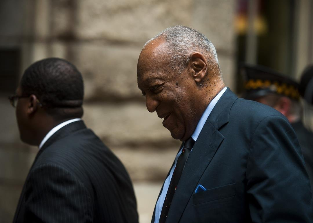 Cosby arrives for 4th day of jury deliberations