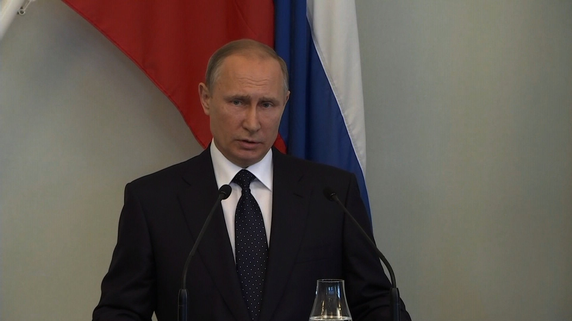 Russian Federation will retaliate if sanctions are signed into law: Putin