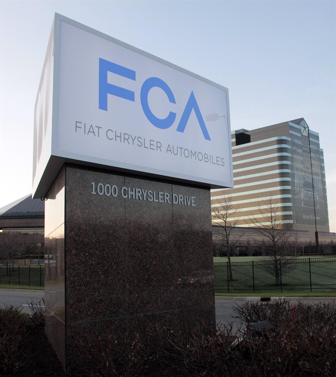 Fiat Chrysler to develop self-driving auto platform with BMW, Intel, Mobileye