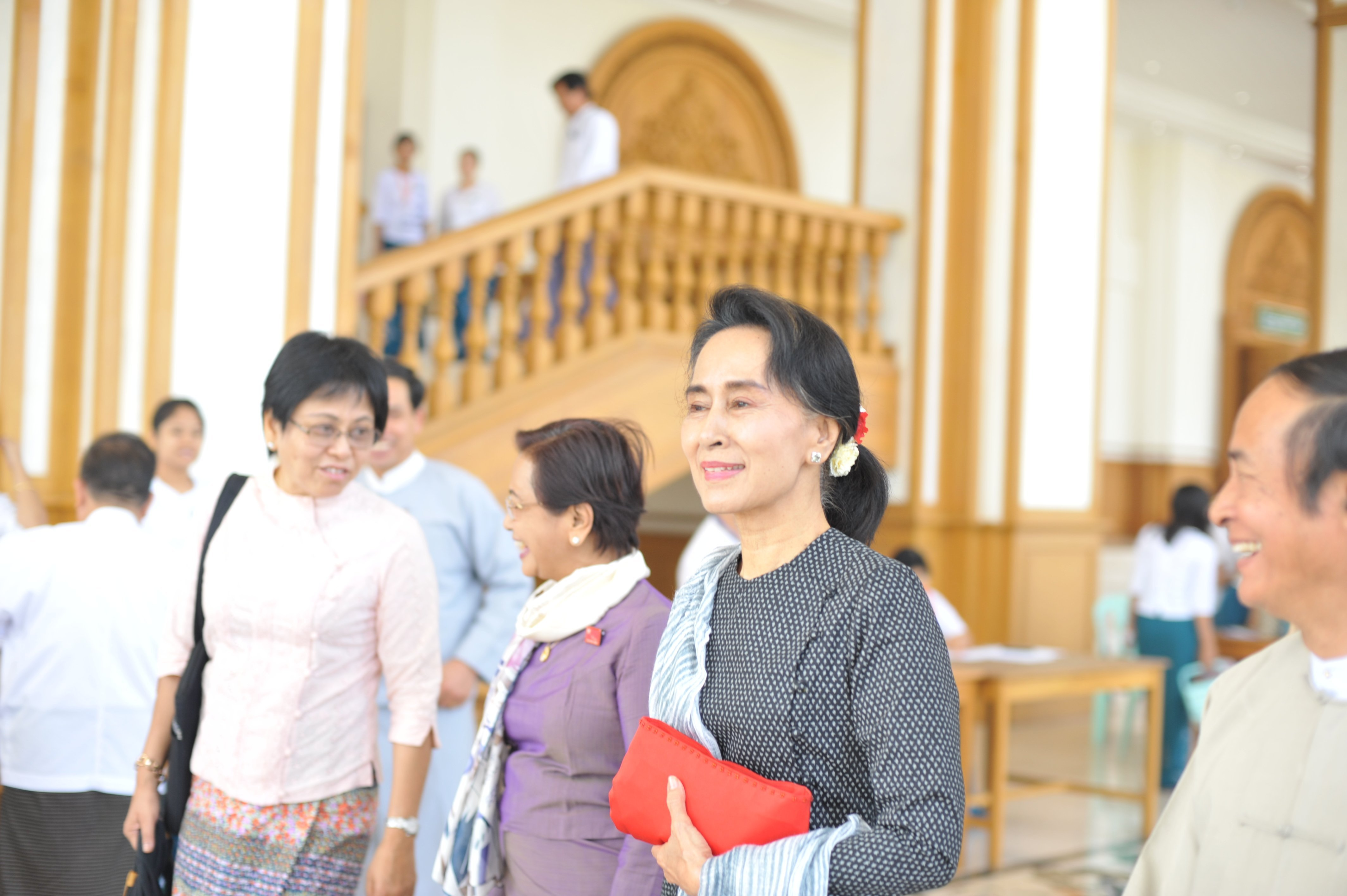Aung San Suu Kyi's attends a Myanmar parliament meeting on April 8, 2015.