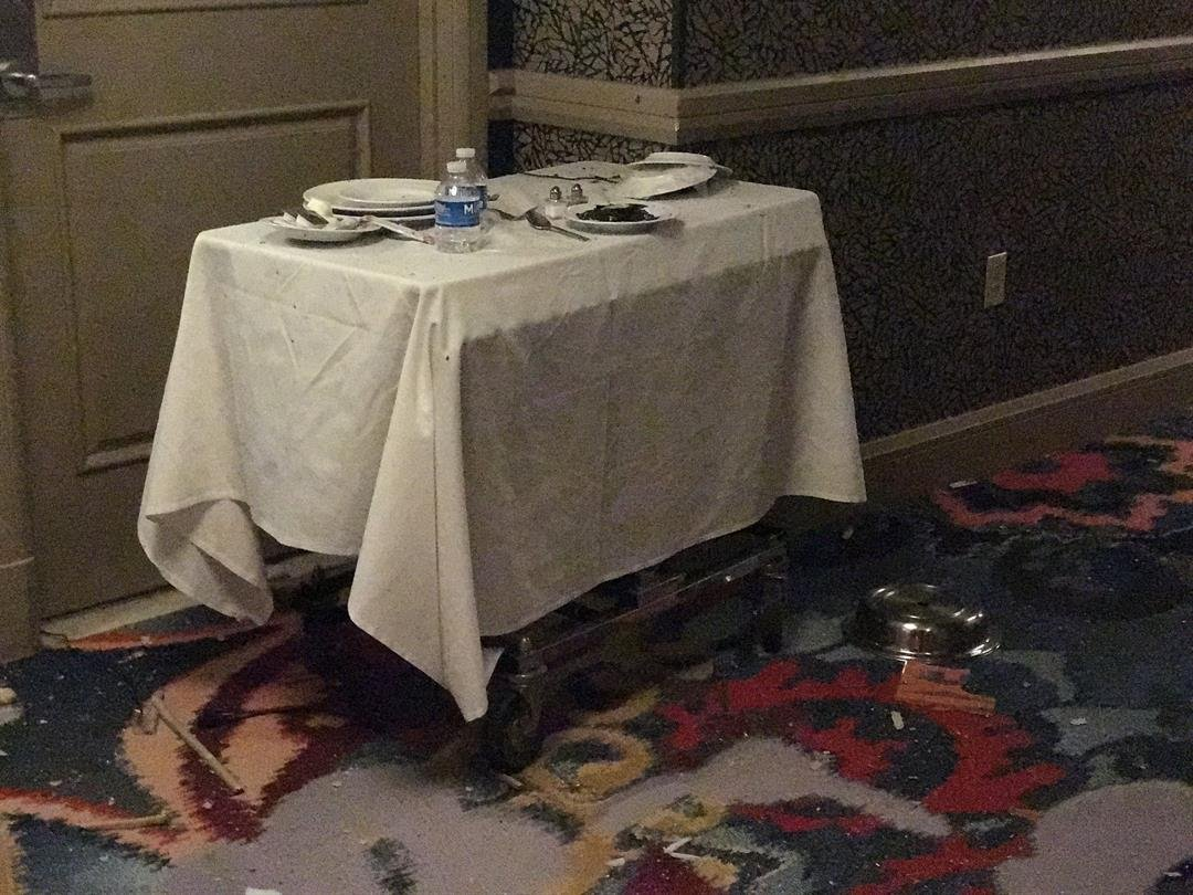 'Very Eerie': First Impressions of Las Vegas Shooter's Hotel Room Revealed