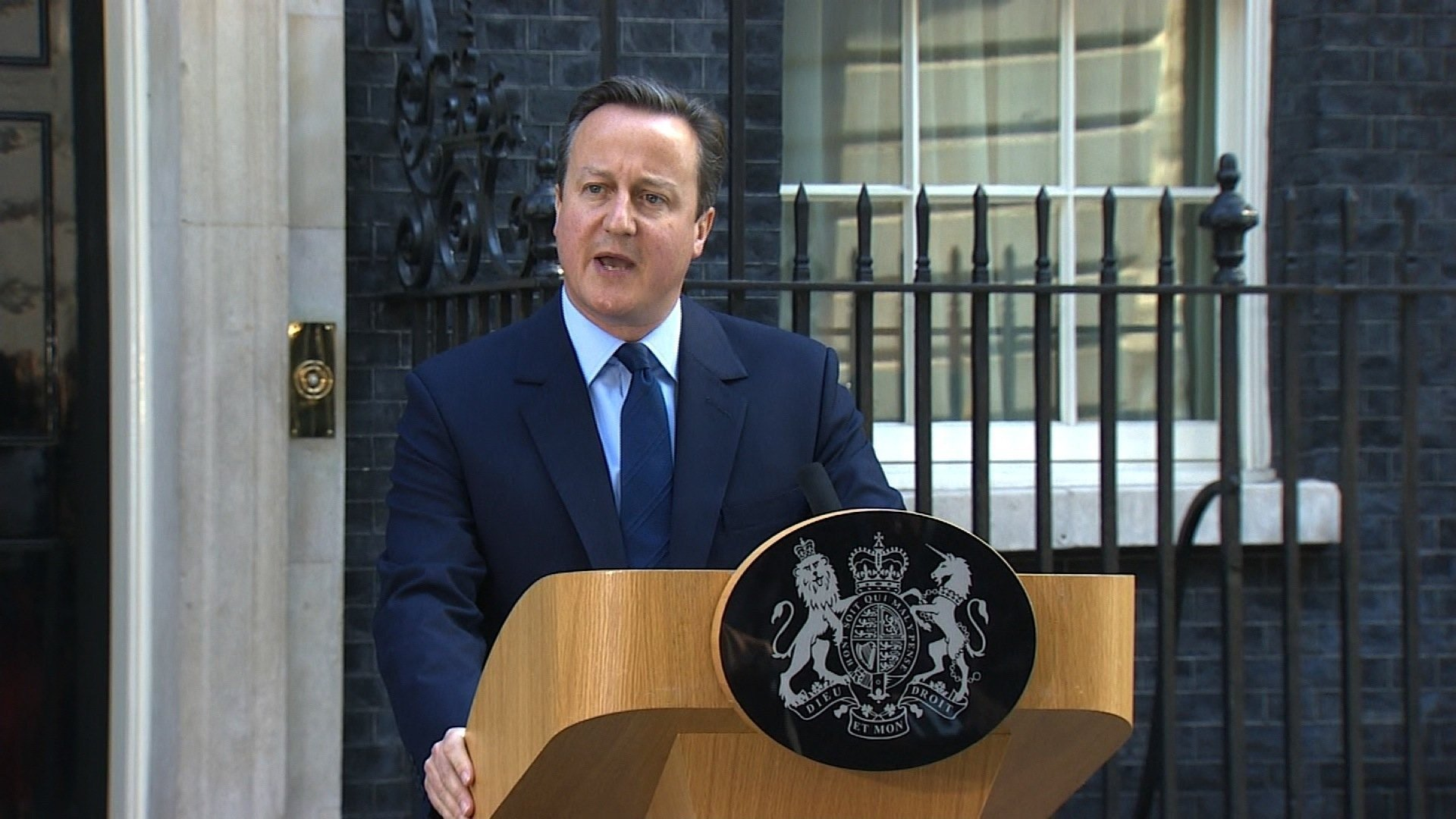 """British Prime Minister David Cameron has announced his resignation after voters in the UK's referendum backed a """"Brexit"""" from the EU."""