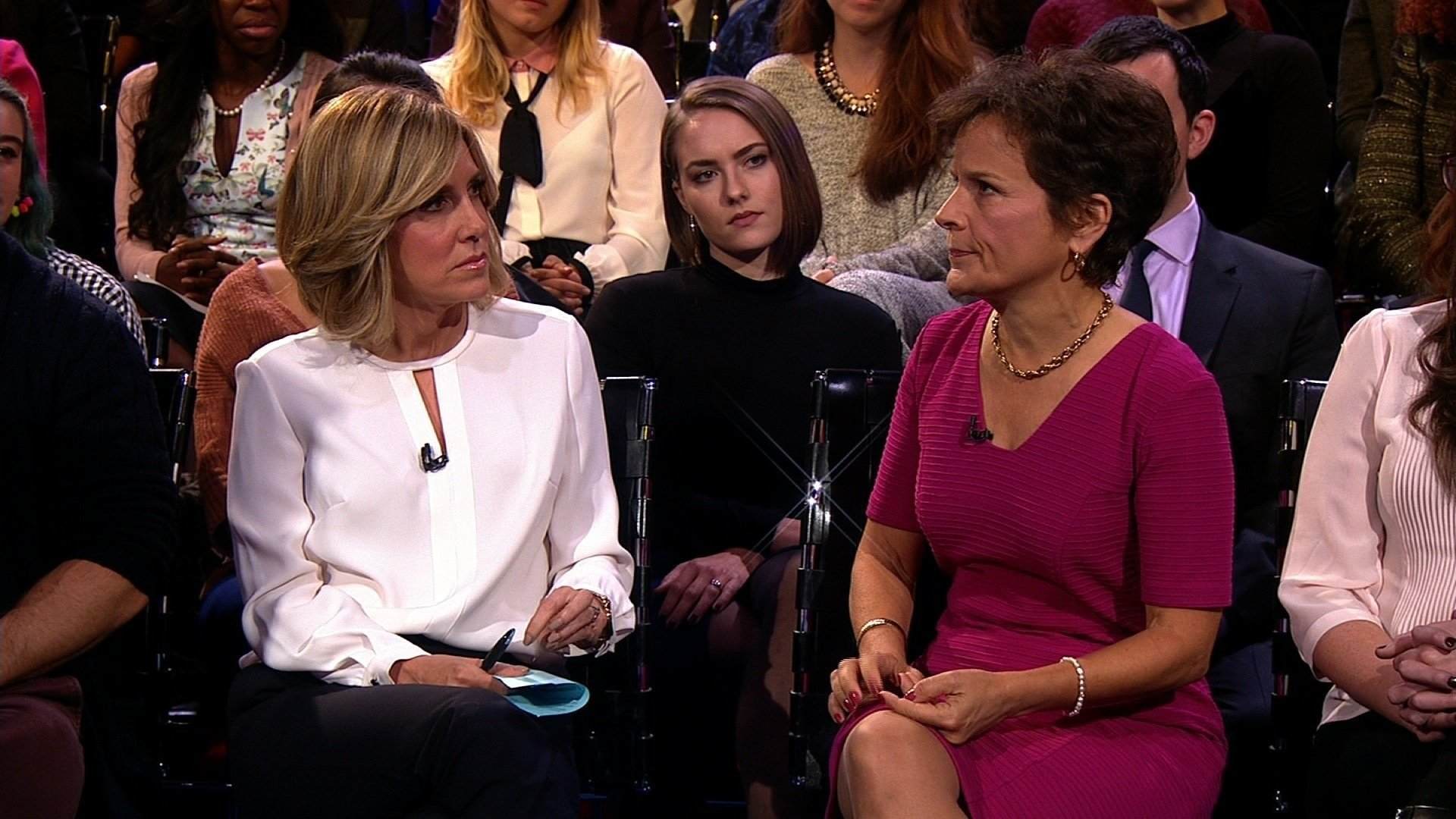 Nearly 20 years ago, a television producer stood up for CNN's Alisyn Camerota when, she says, a reporter sexually harassed her as an intern. Camerota finally thanked Rosemary Freitas Williams on Thursday at CNN's sexual harassment town hall, and asked...