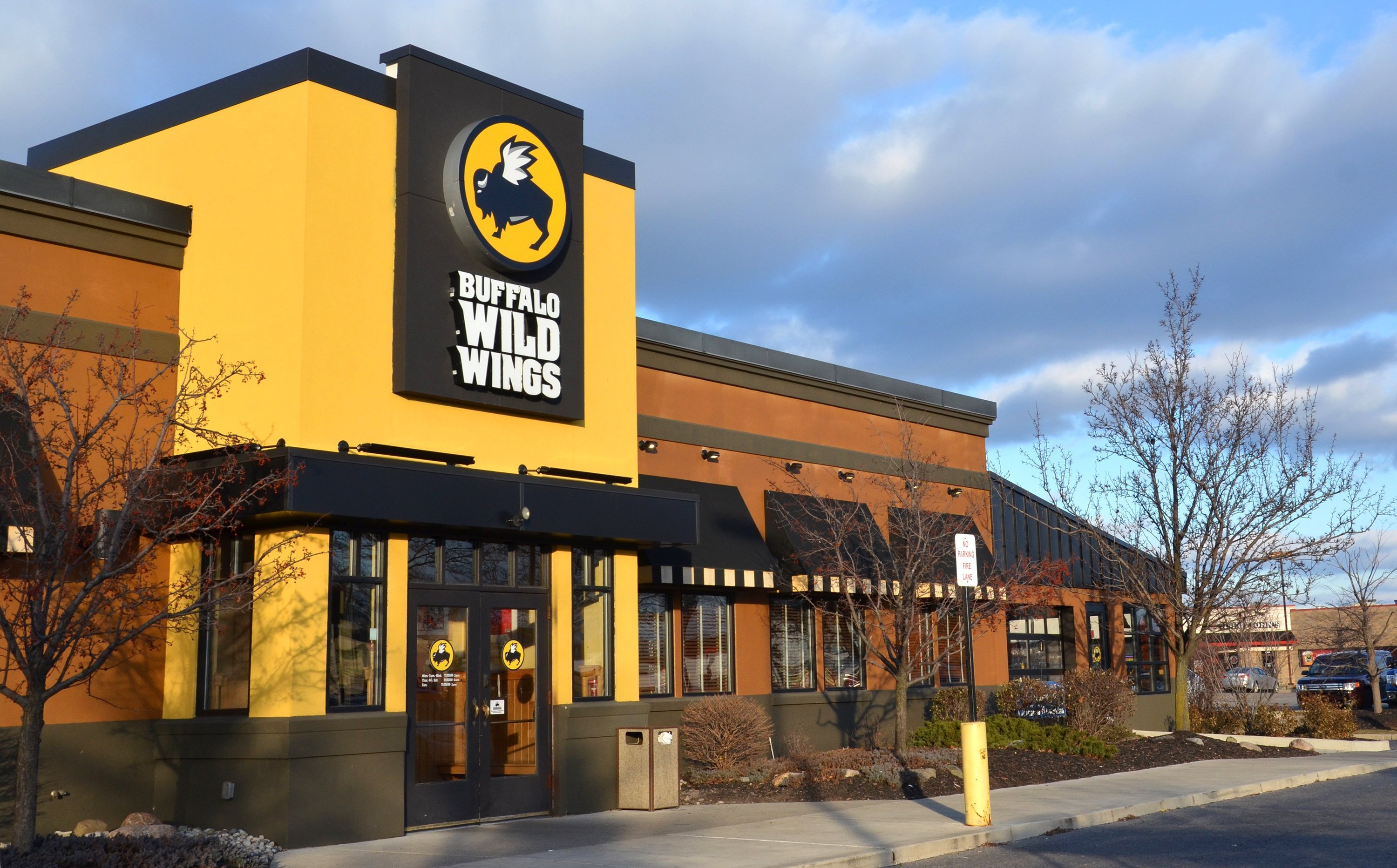 Buffalo Wild Wings Drenched In Arby's Sauce Could Now Be A Reality