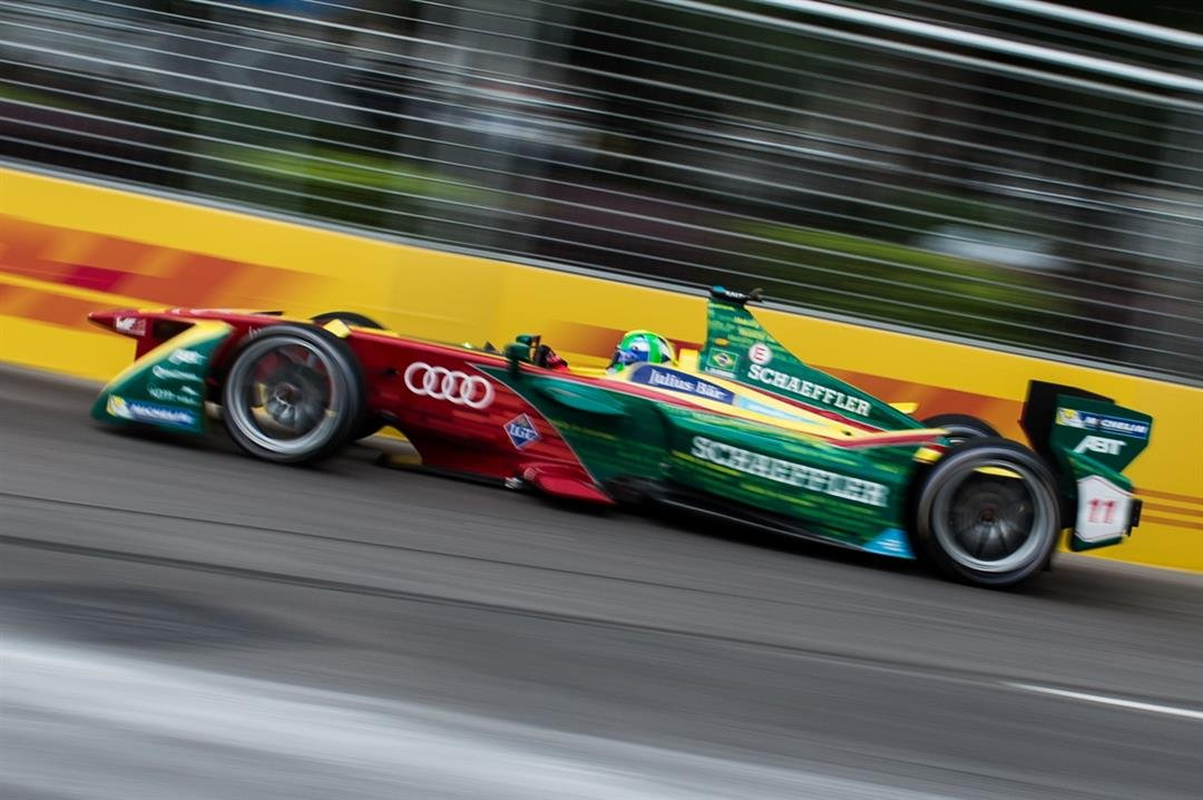 Formula E Car Beats Cheetah, Though It Was Close For A Bit
