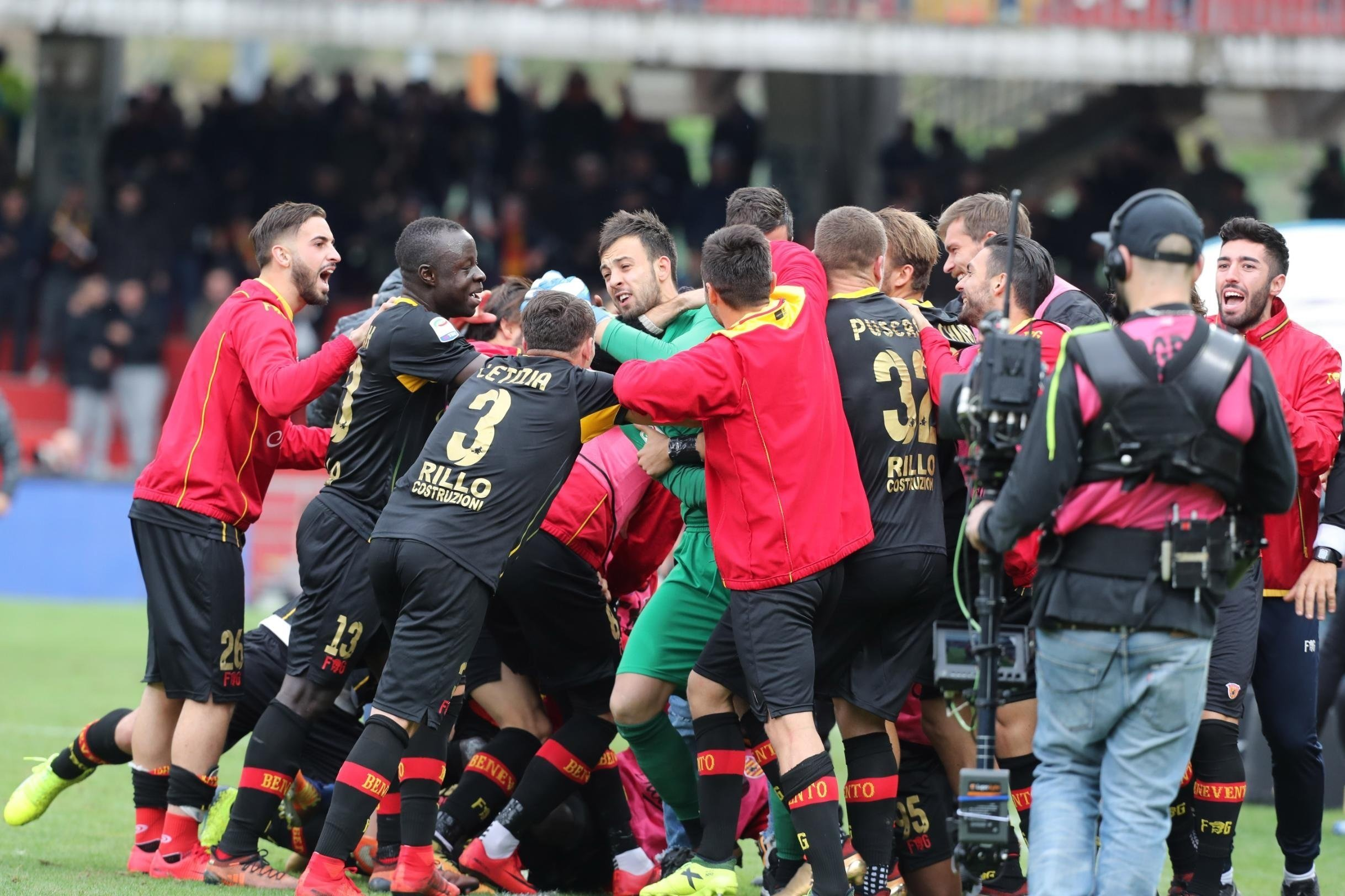 **This image is for use with this specific article only.**  Brognoli and his Benevento teammates celebrate after ending a 14-match losing streak.