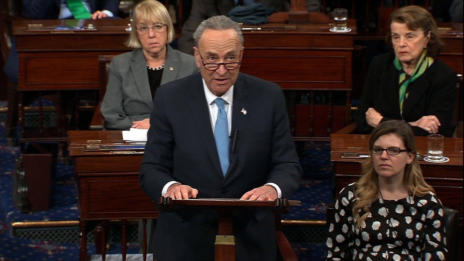 U.S. federal govt shuts down over budget row