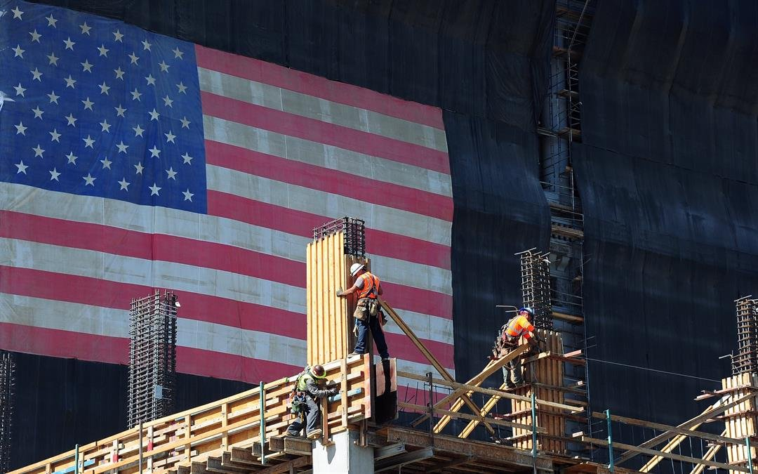 USA economy loses steam as imports surge