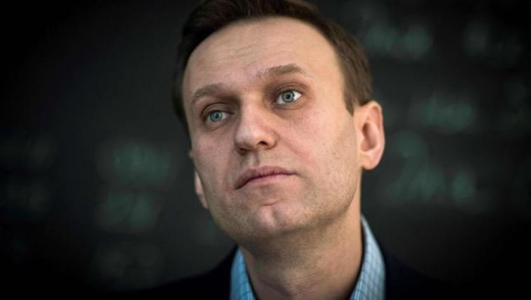 Blogger Navalny detained in central Moscow