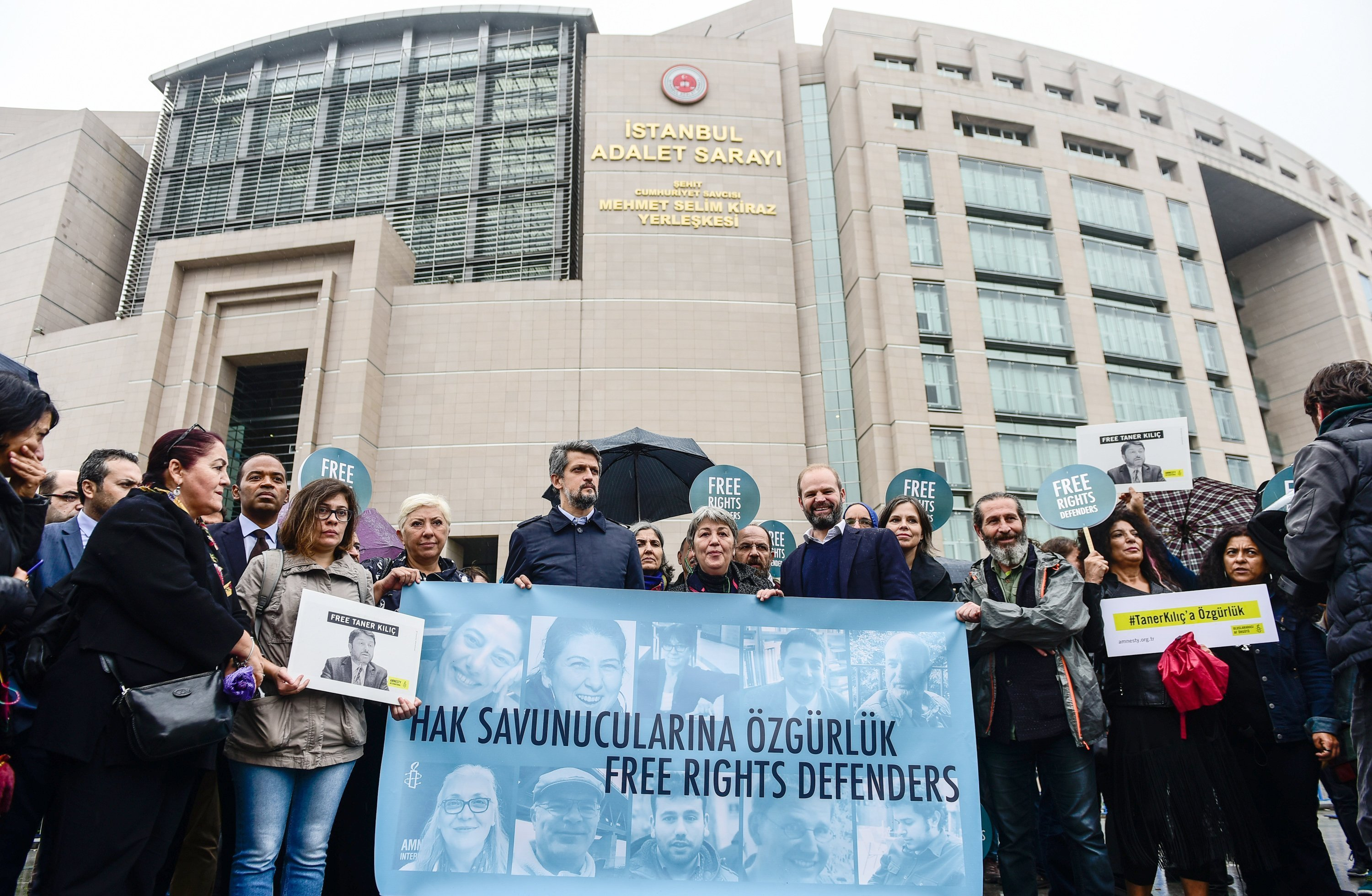 Turkey overturns decision to release incarcerated Amnesty chairman