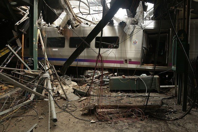 Sleep apnea led to two commuter railroad accidents within 13 weeks of one another, the National Transport Safety Board said Tuesday.