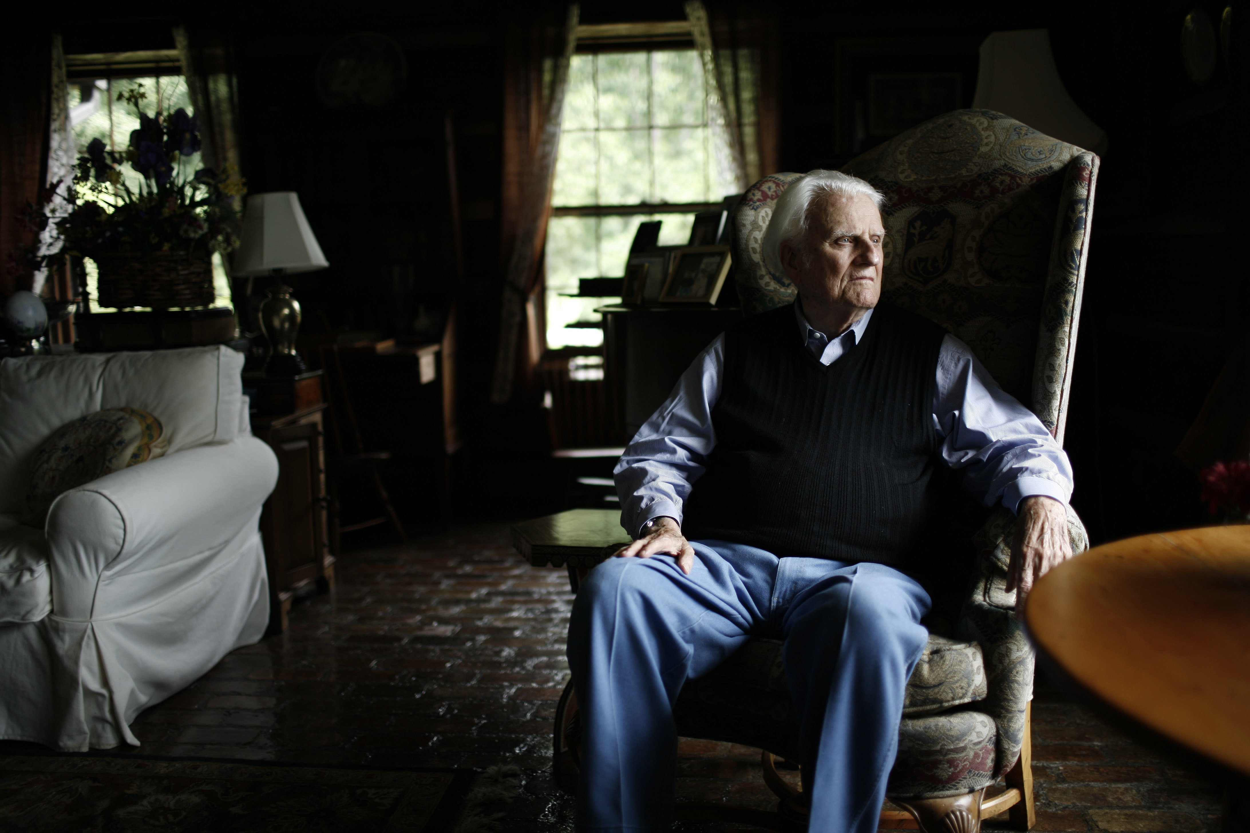 Rev. Billy Graham brought home to Charlotte