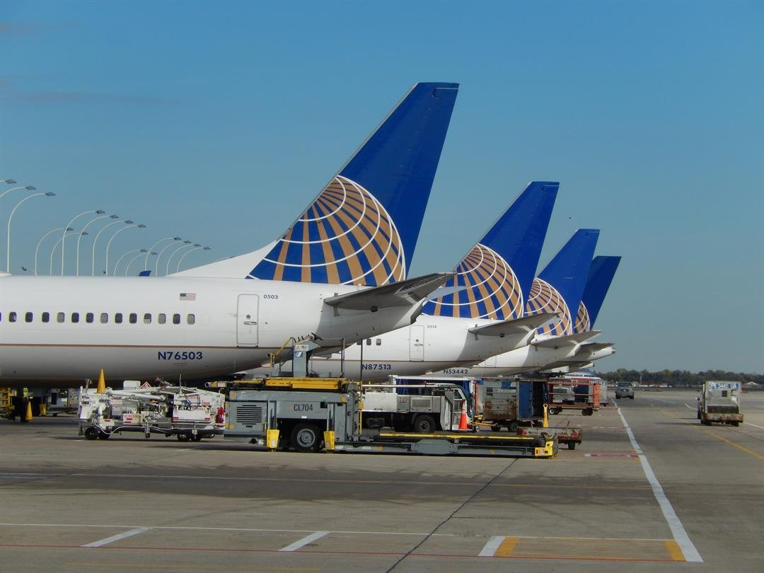 United Airlines Replaces Employee Bonus with Lottery System; Angers Employees