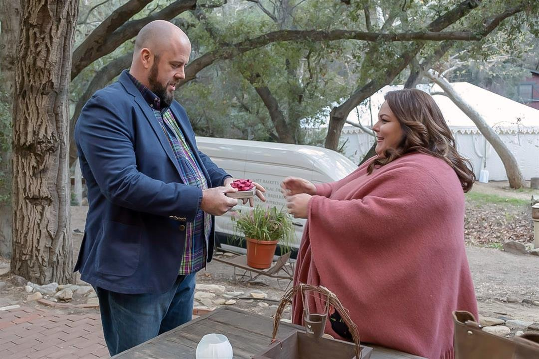 Chris Sullivan, Chrissy Metz in 'This Is Us'