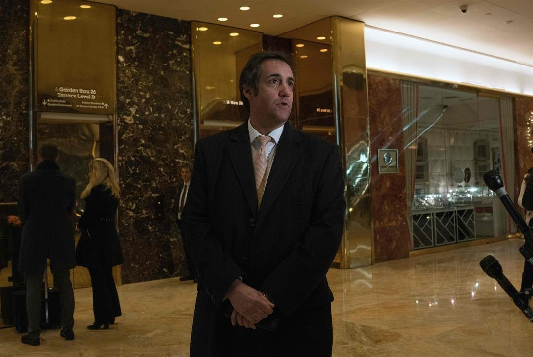 Federal Bureau of Investigation  raids offices of Donald Trump's lawyer
