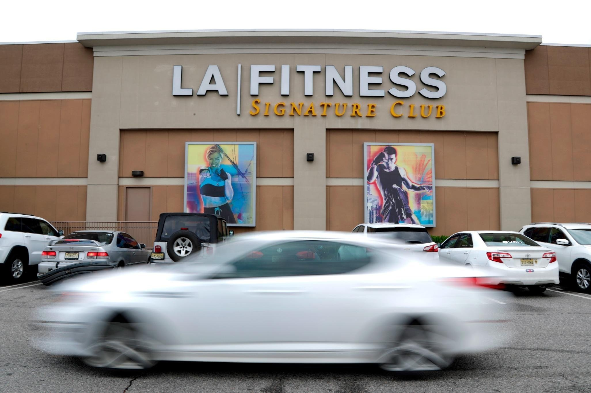 LA Fitness fires workers and apologizes after racial incident
