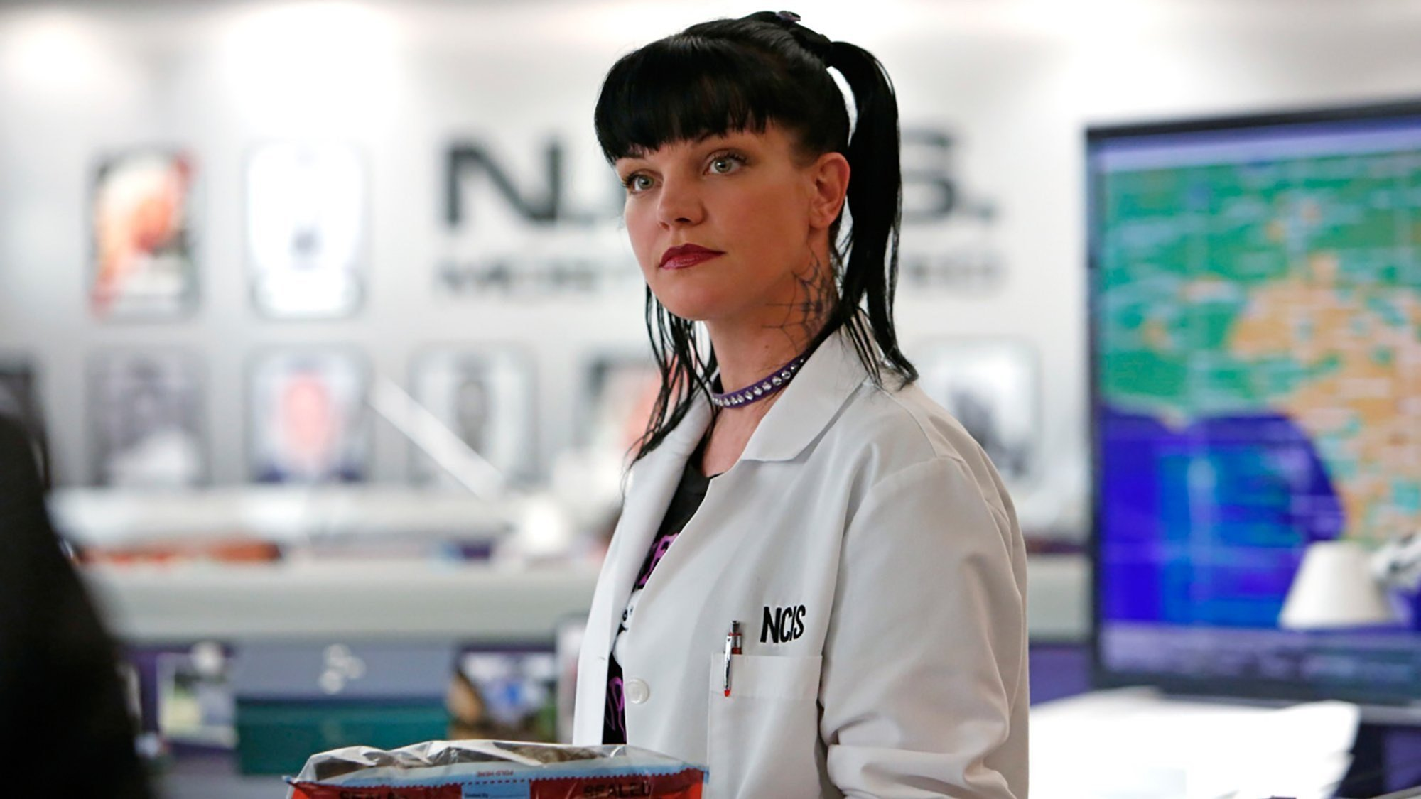 "A series of tweets by Pauley Perrette have fans wondering about her life while working on ""NCIS."""