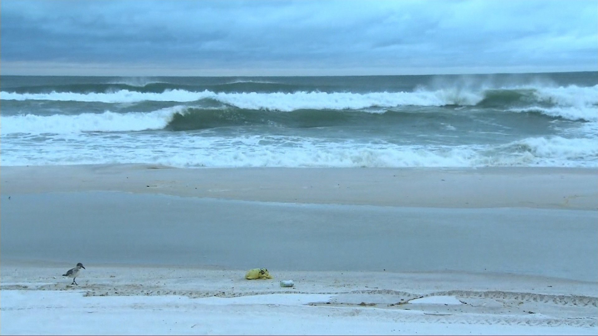 Florida beaches empty as storm Alberto nears