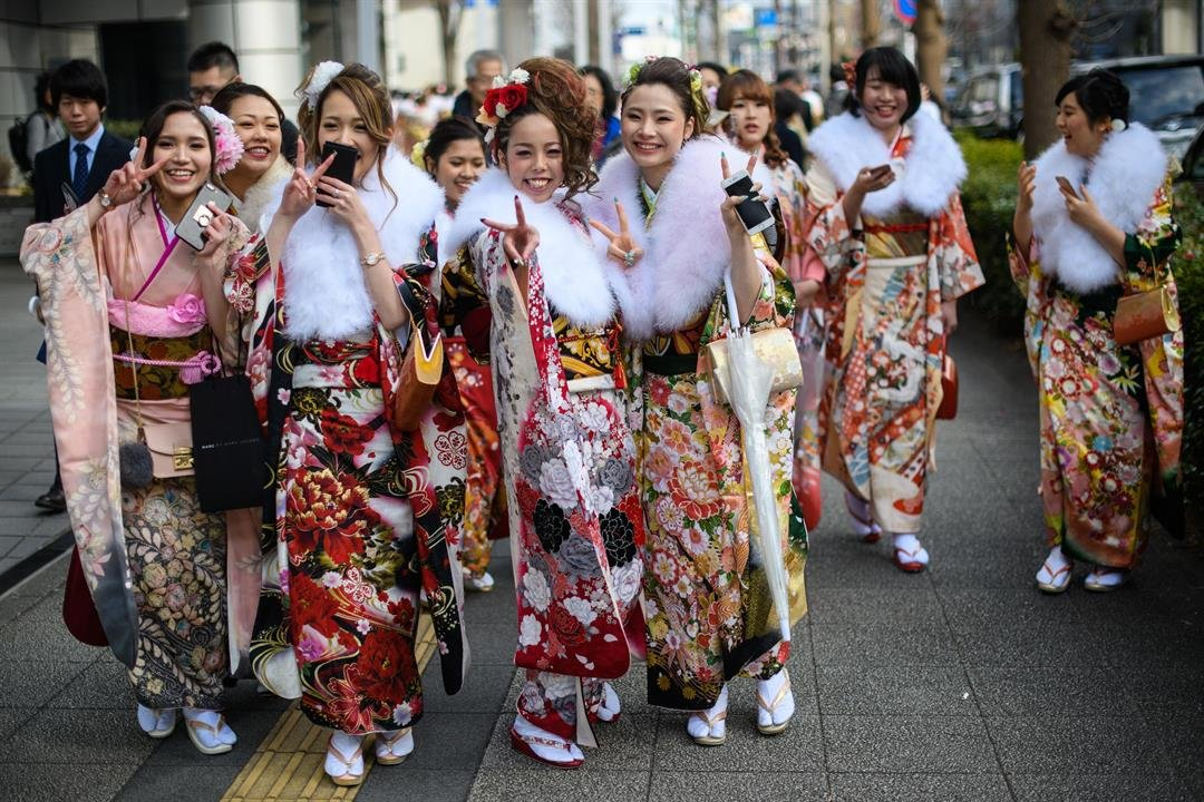 The Japanese government enacted a bill Wednesday lowering the age of adulthood from 20 to 18, but teenagers beware: the legal age of drinking will stay fixed at 20.