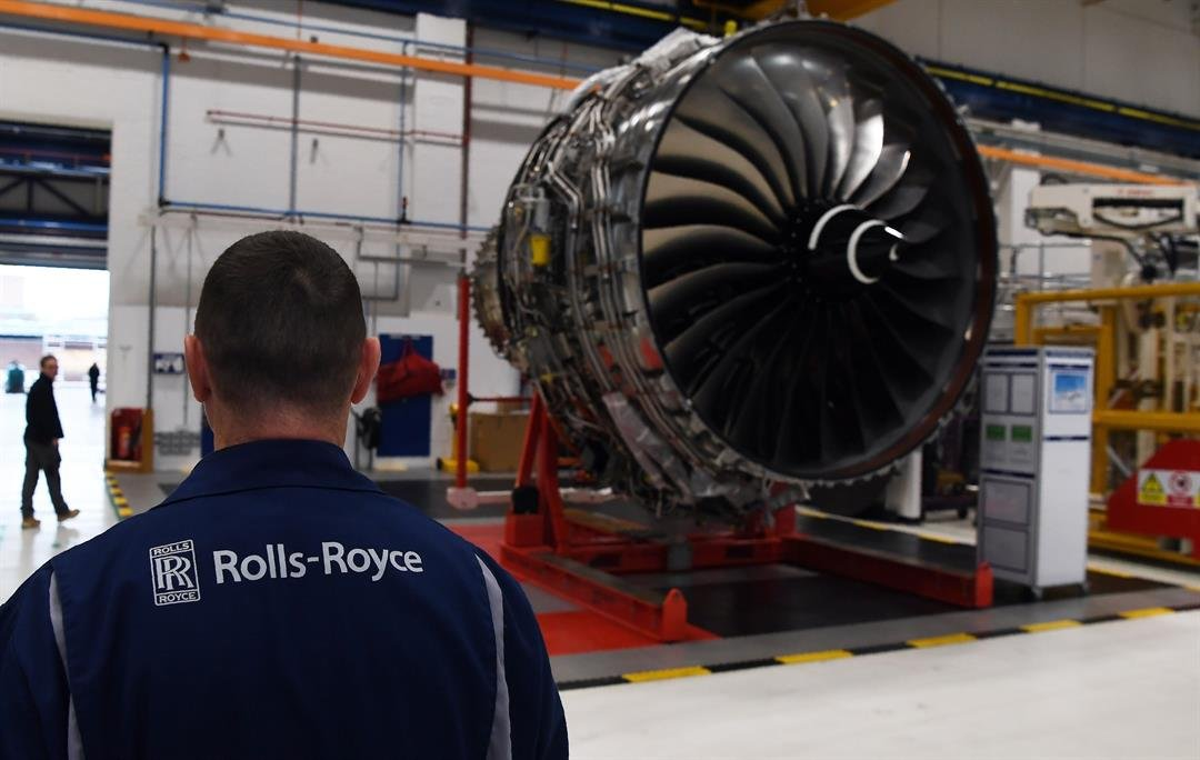 British engineering company Rolls-Royce plans to cut 4,600 jobs in an effort to slash costs across its business.