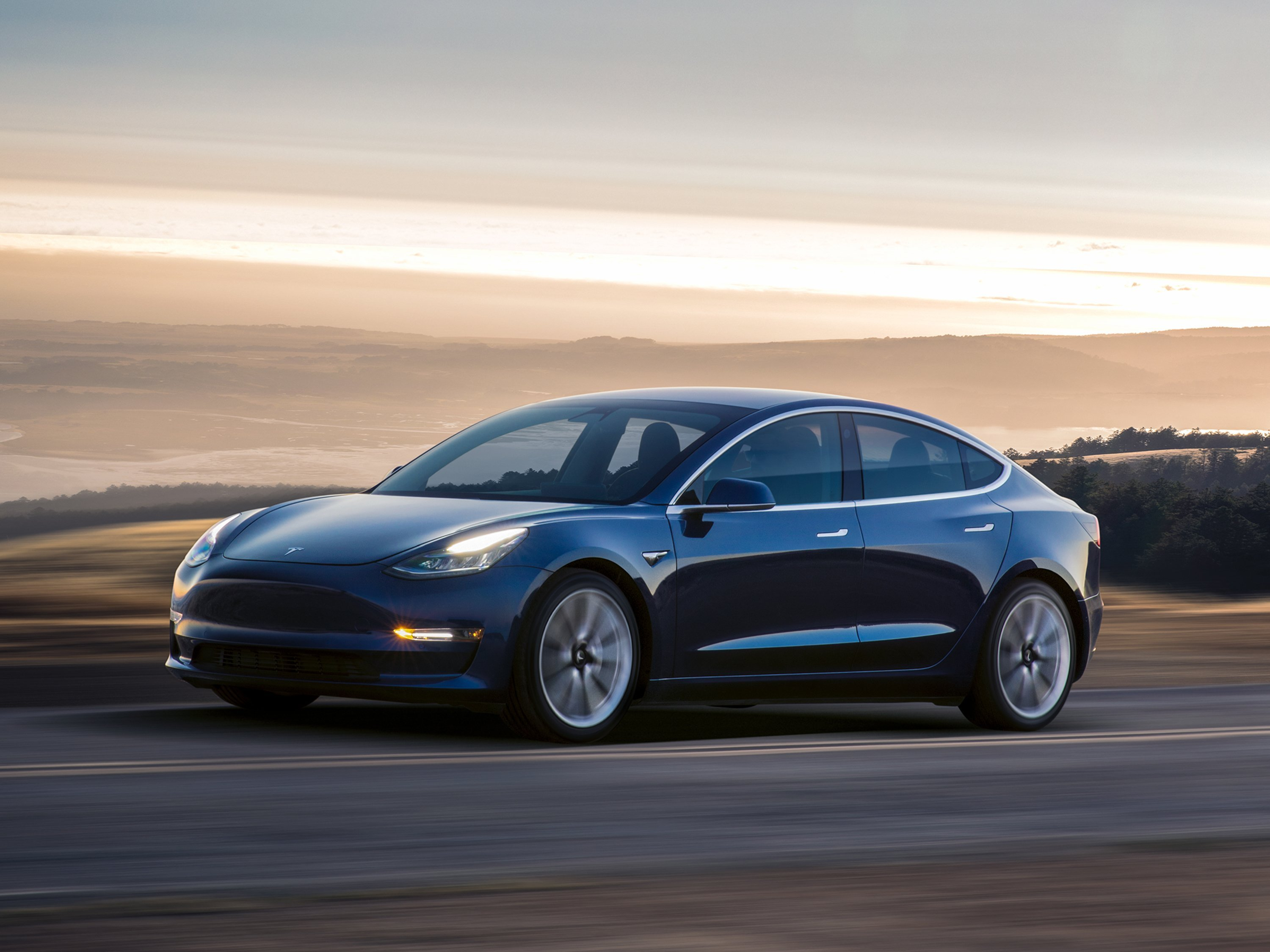 Tesla Autopilot update aims to keep drivers' hands on the wheel