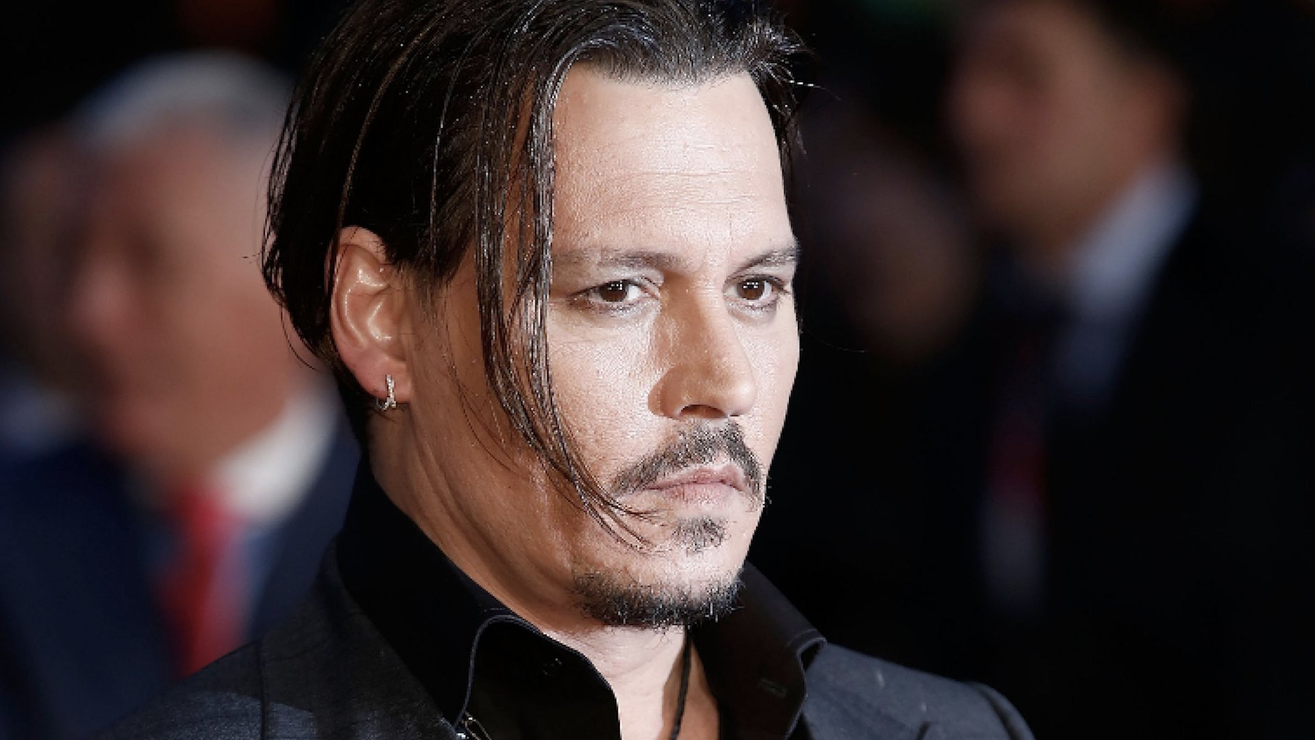 A location manager says he had trouble with Johnny Depp last year while filming in Los Angeles.