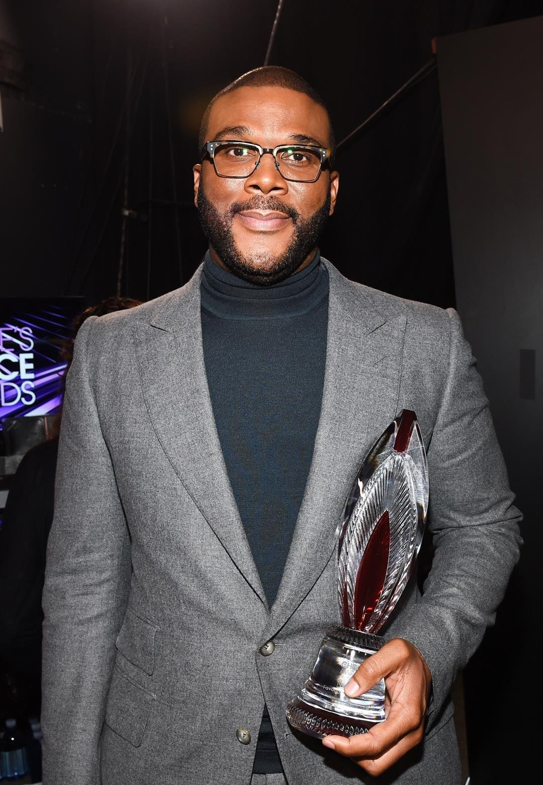 Tyler Perry wants his fans to know that he's not giving away cars, money or anything else on Facebook.