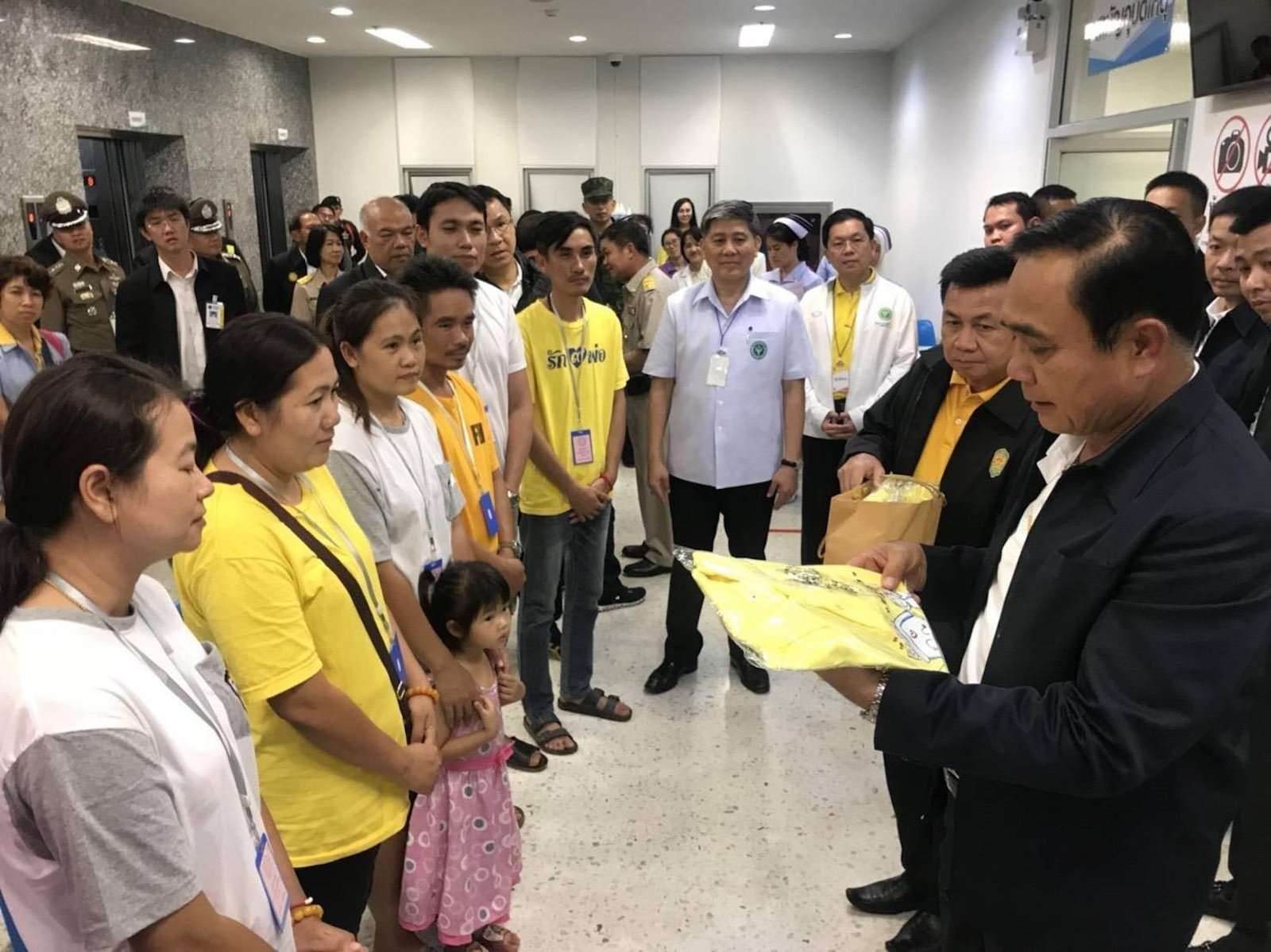 Prime minister Prayut Chan-ocha gives support to the families of the rescued boys and thanks hospital staff for taking care of the Wild Boar soccer team members being treated at the Chiang Rai Prachanookroh hospital.