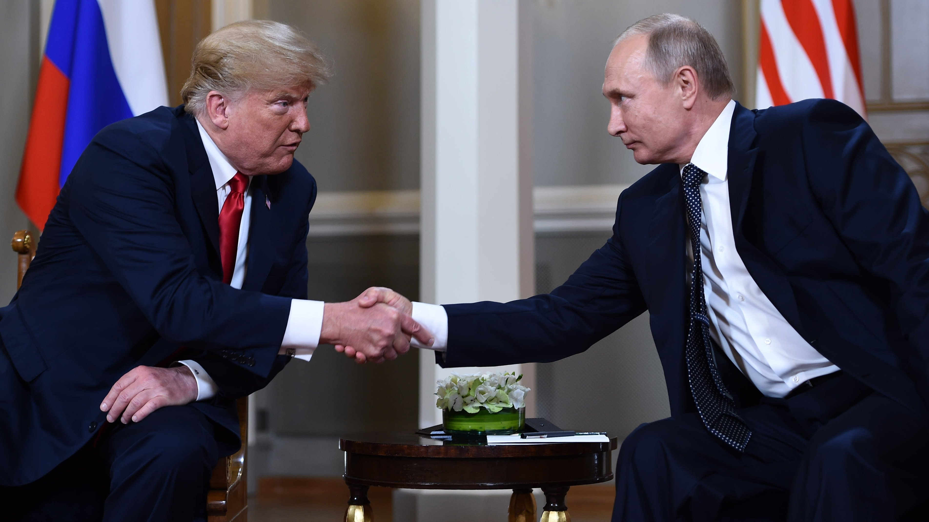 Trump keeps up defense of Helsinki performance