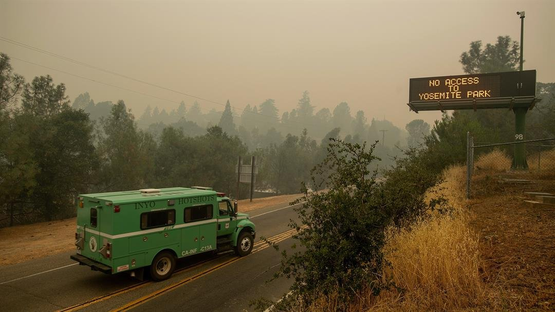 Yosemite Valley to Close Starting Wednesday to Let Crews Battle Blaze