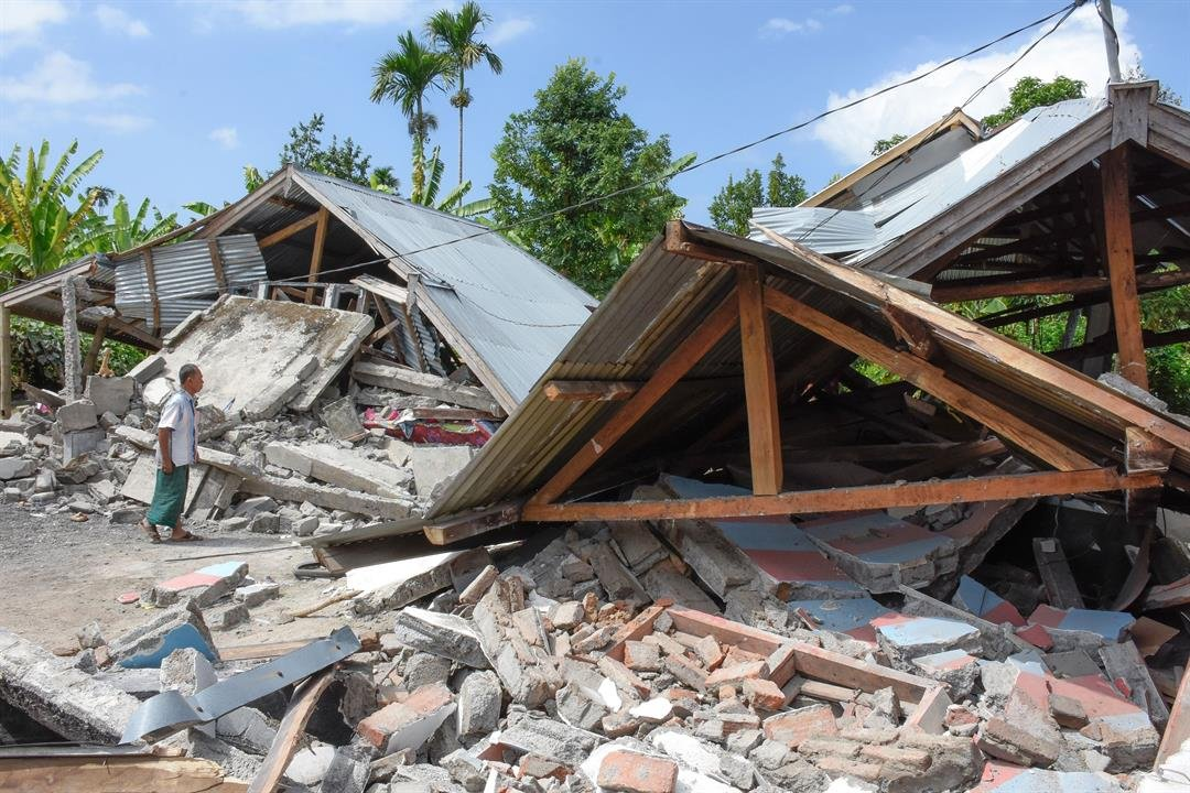 Earthquake of magnitude 6.4 kills three in Indonesia