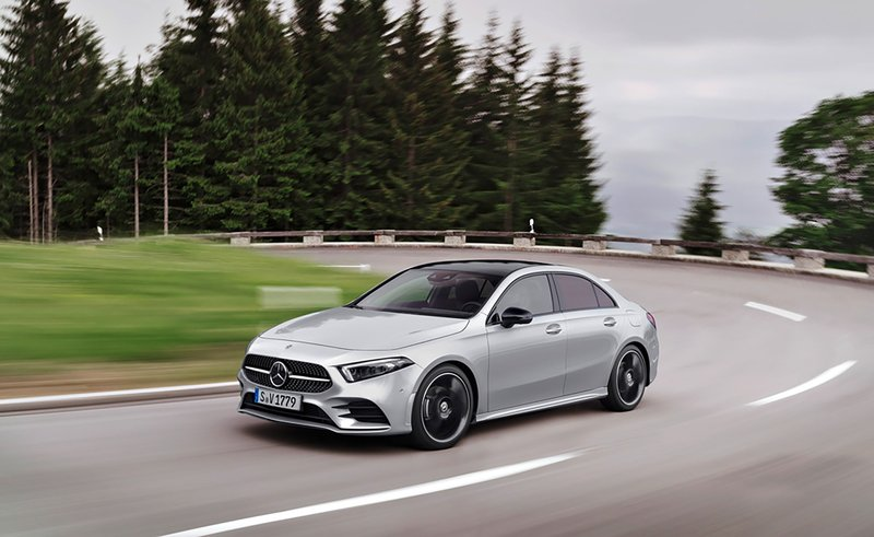 Mercedes benz is trying to get cheap luxury cars right for Mercedes benz luxury