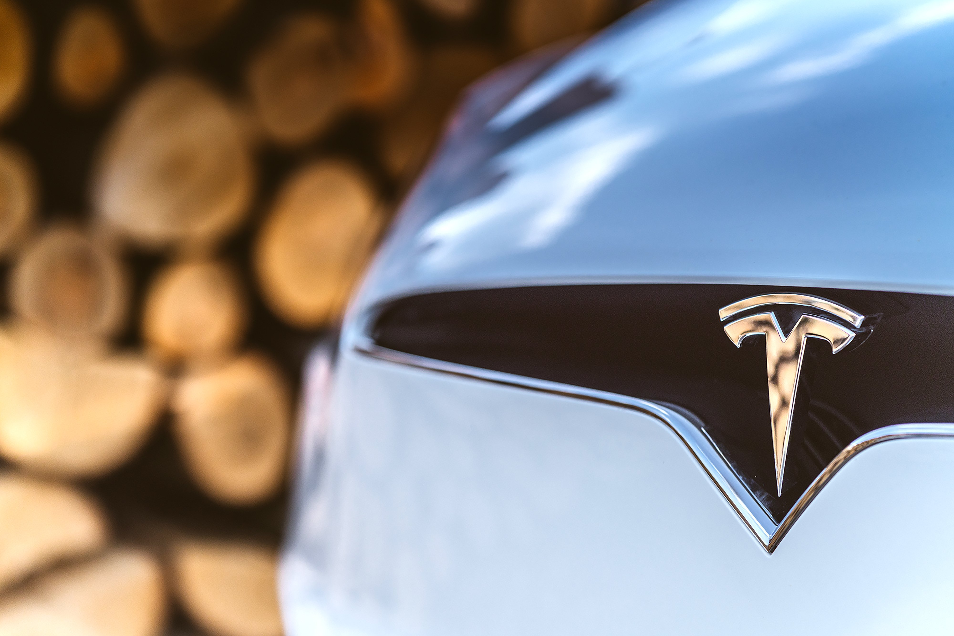 Tesla is losing another top executive. This time, it's the electric car firm's vice president of worldwide finance and operation.
