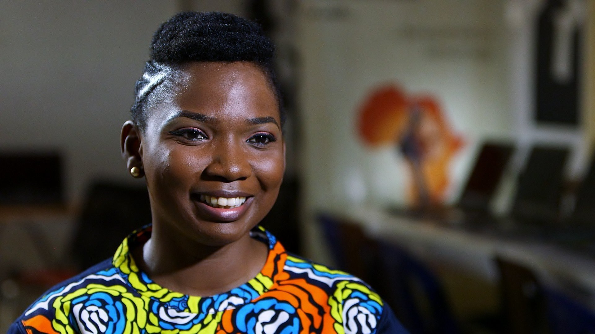 CNN Hero Abisoye Ajayi-Akinfolarin left a successful career to dedicate herself to GirlsCoding, a free program run by the Pearls Africa Foundation that seeks to educate -- and excite -- girls about computer programming.