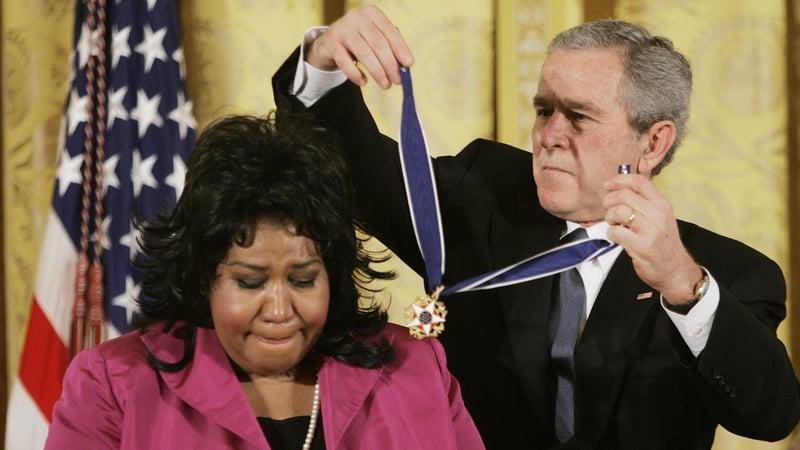 Resultado de imagem para Aretha Franklin e george bush